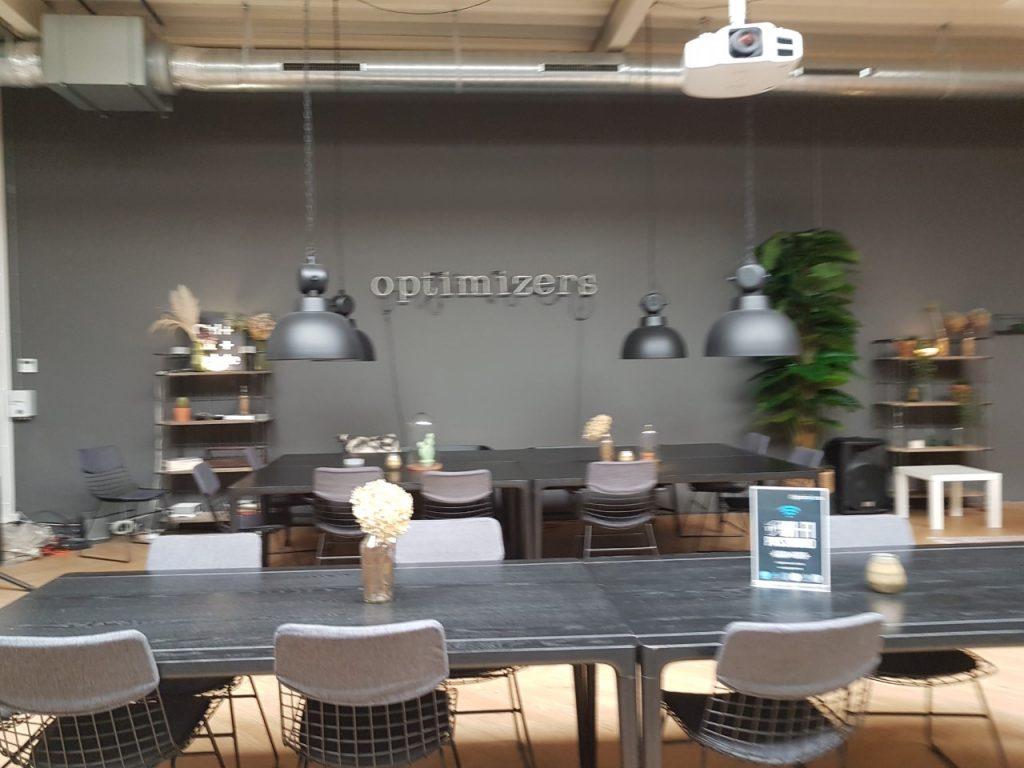Optimizers gemeenschappelijke ruimte faciliteiten voor activiteiten